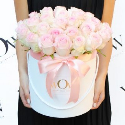 39 pink roses in a box